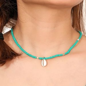 Jewelry - 2/$20🌷Seashell choker necklace in turquoise...NWT